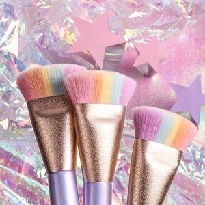 "🌈Too Faced ""Magic Rainbow Strobing Brush"""